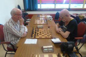 Broederstrijd veel te spannend: GC3 – GC4 eindigt in 4½ – 3½