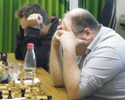 GC3 verliest nipt (onnodig?) met 3,5 – 4,5 van koploper Emanuel Lasker